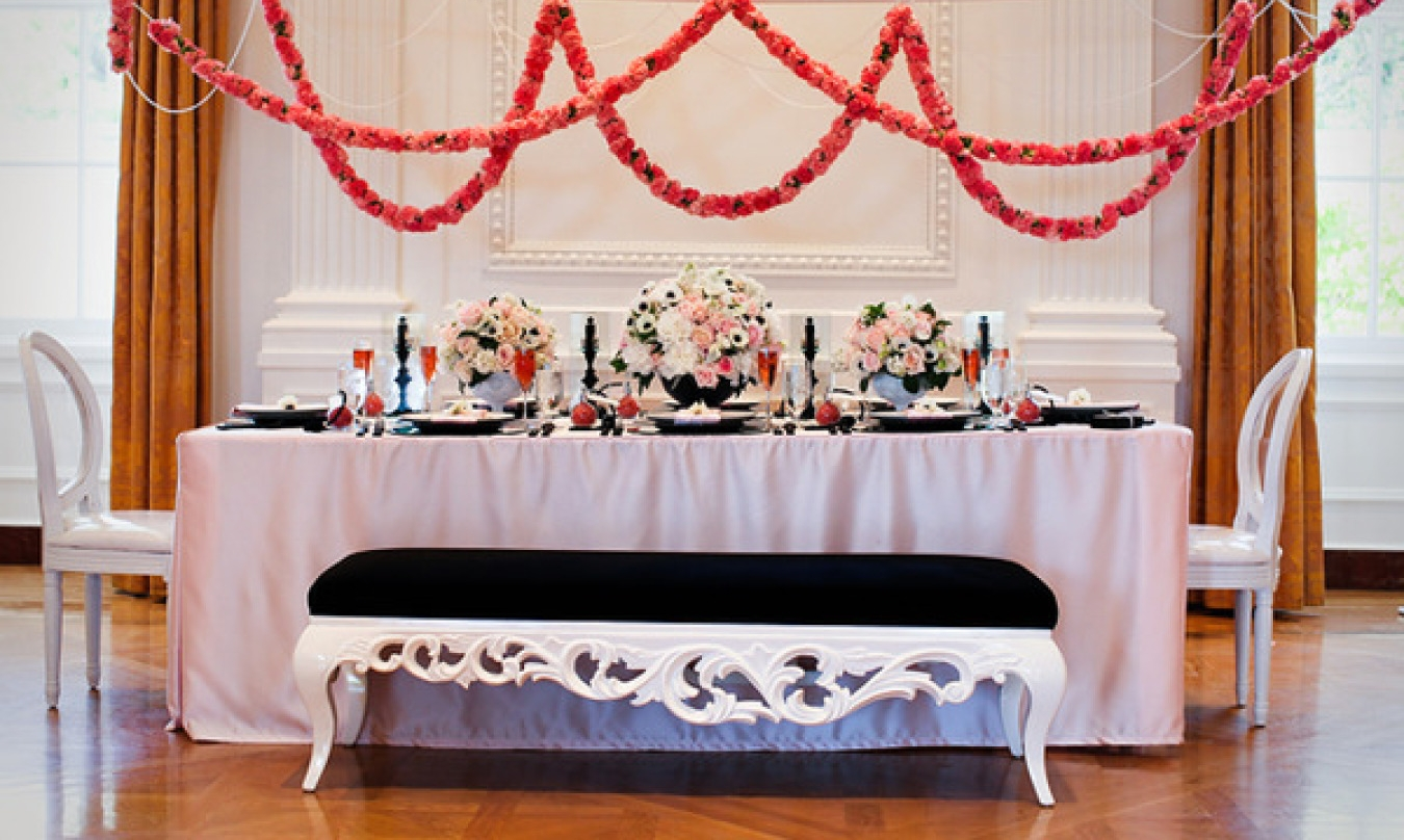 Photo by: Jasmine Star | Venue: Richard Nixon Library | Linen and Napkins provided by: Glow Concepts Fine Linen