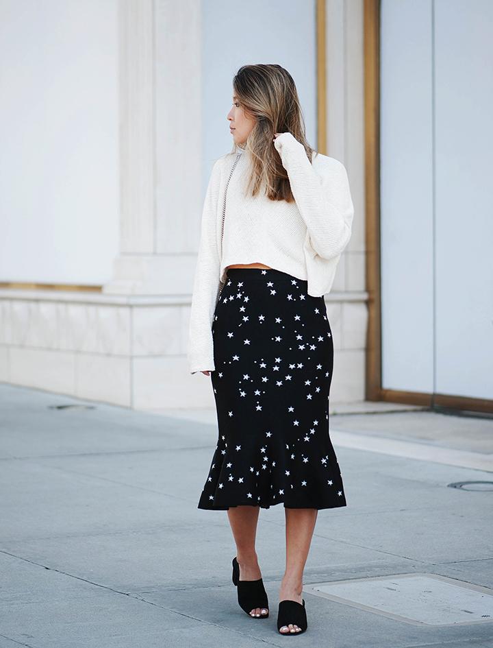 star-skirt-cream-sweater-2.jpg