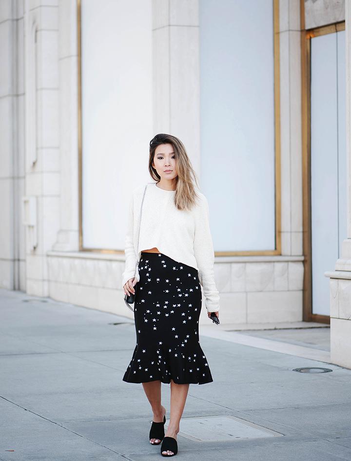 star-skirt-cream-sweater-6.jpg