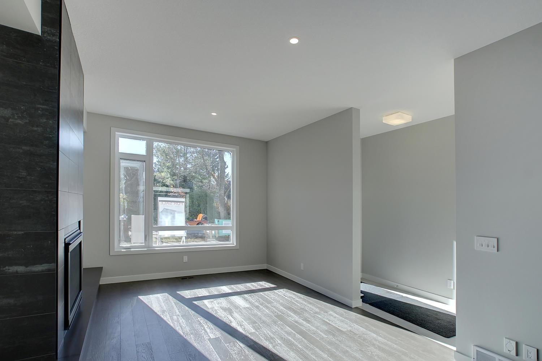 11430 75 Avenue NW Edmonton AB-large-007-21-Living Room-1500x1000-72dpi.jpg
