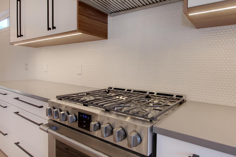 7632 92 Ave NW-large-022-176-Kitchen-1500x1000-72dpi.jpg