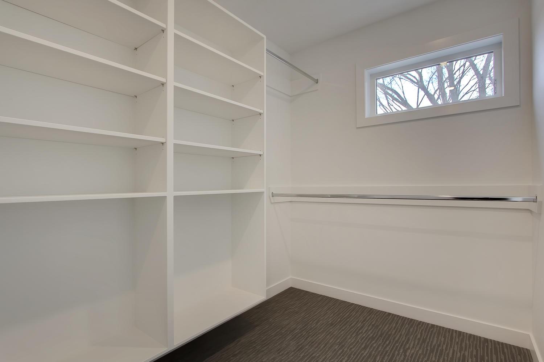 7632 92 Ave NW-large-043-137-Master Closet-1500x1000-72dpi.jpg