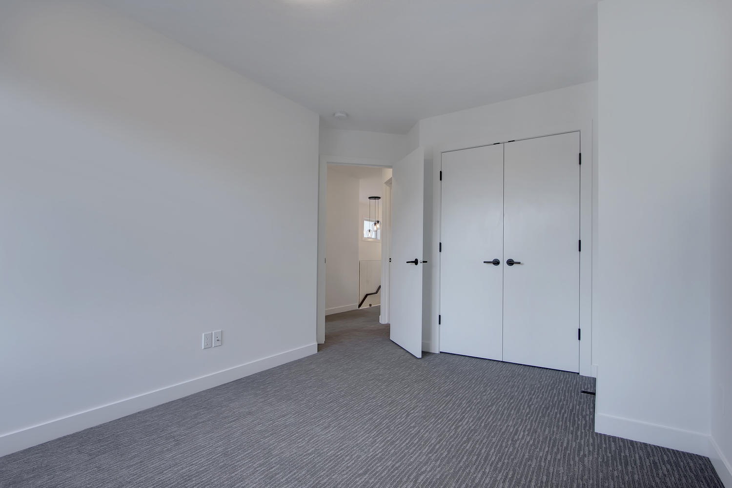 7632 92 Ave NW-large-056-141-Bedroom 2-1500x1000-72dpi.jpg