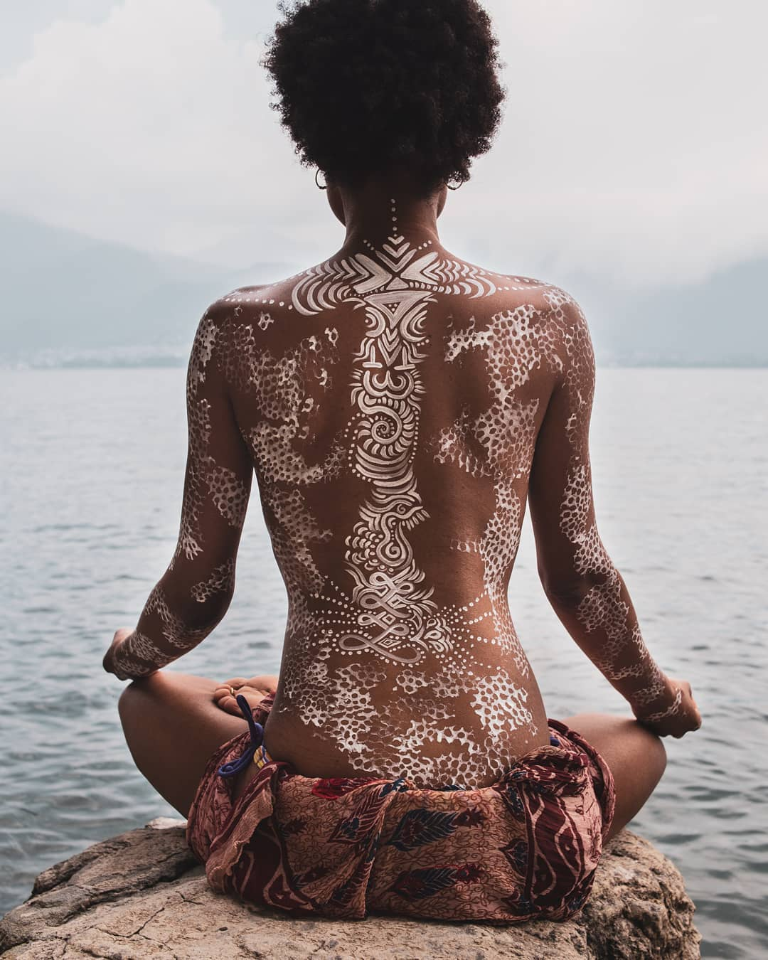 Photo by  Chapepi DAK    Body paint by  Léna Lucie Lou Costunomade