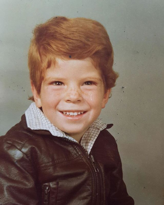 I couldn't play guitar yet but I had a leather jacket  #youngboy #inmyyoungerdays #innocent #timeflies #buildinguptheblues ##leatherjacket #musician #singersongwriter #redhair #bluesmaninthemaking #allsmiles #smile #happydays #chlapec #chlapecek  #malymuz #superfriendly #cuteasfuck #vanity
