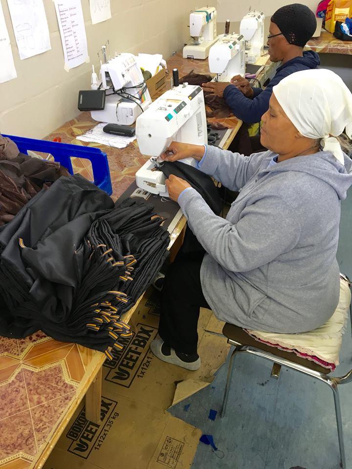Scottsdene Ladies 2 sewing bags for 3 Helping Hands.jpg