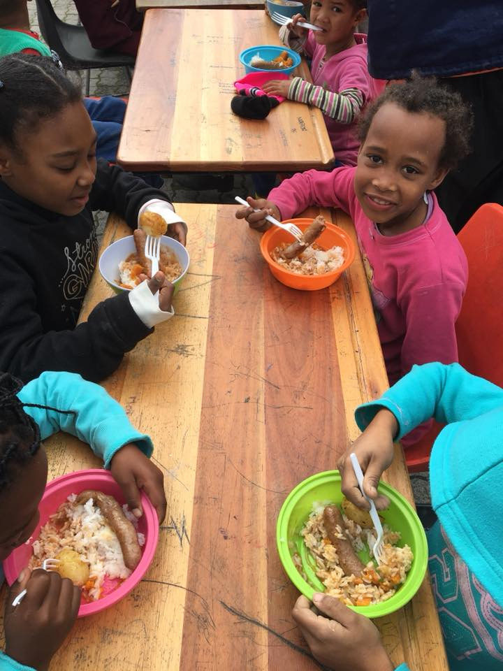 Art_Children eating.jpg