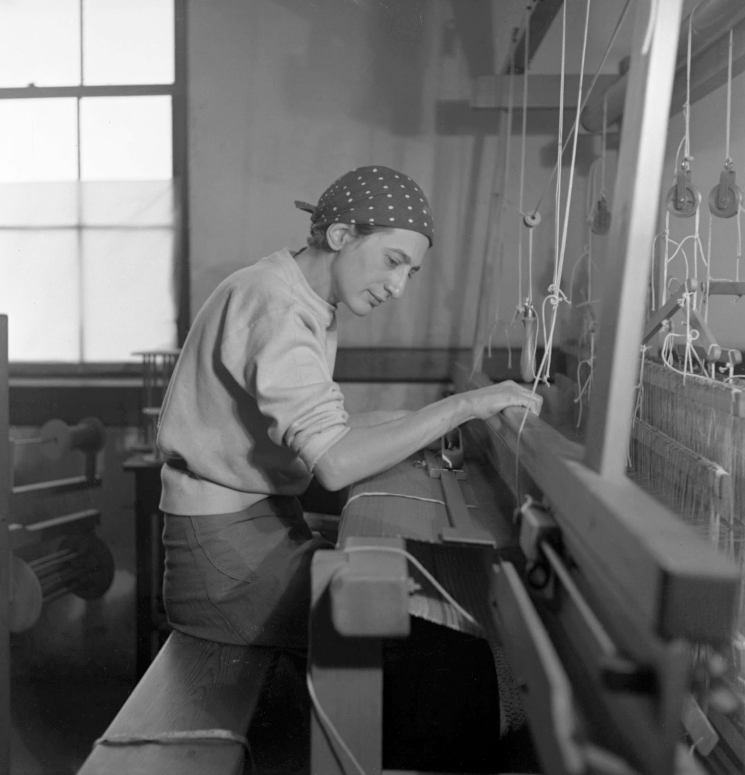 Anni Alberts in her weaving studio at Black Mountain College 1937