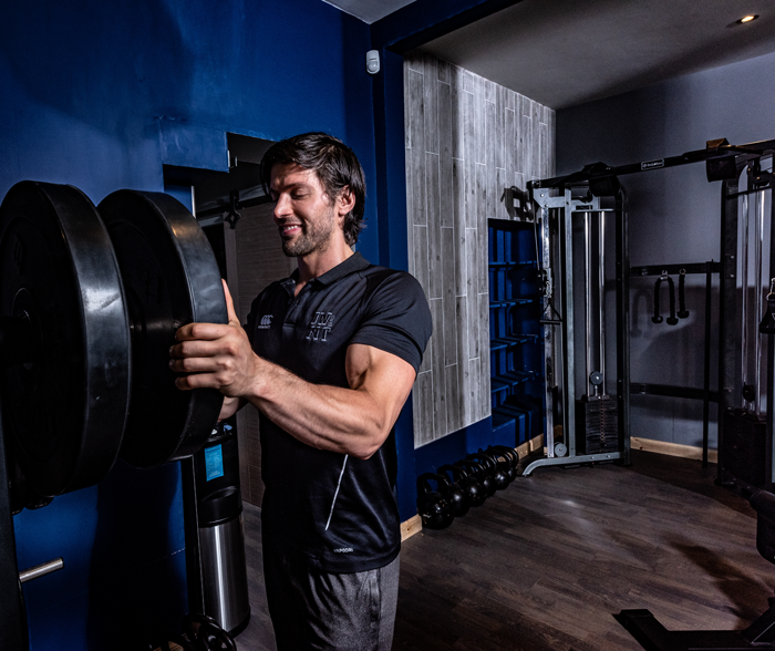JONATHAN WHITE - Jonathan White is a Glasgow Personal Trainer, Body Composition Expert and Founder of the White Method Fitness a proven training system which applies the specialised nature of personal training with the power of group training.