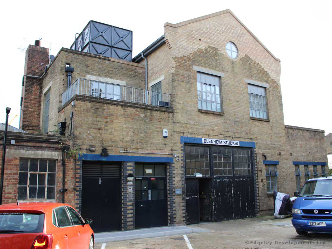 Blenheim Studios   Complete conversion of an old factory to create 9 new luxury loft-style apartments.