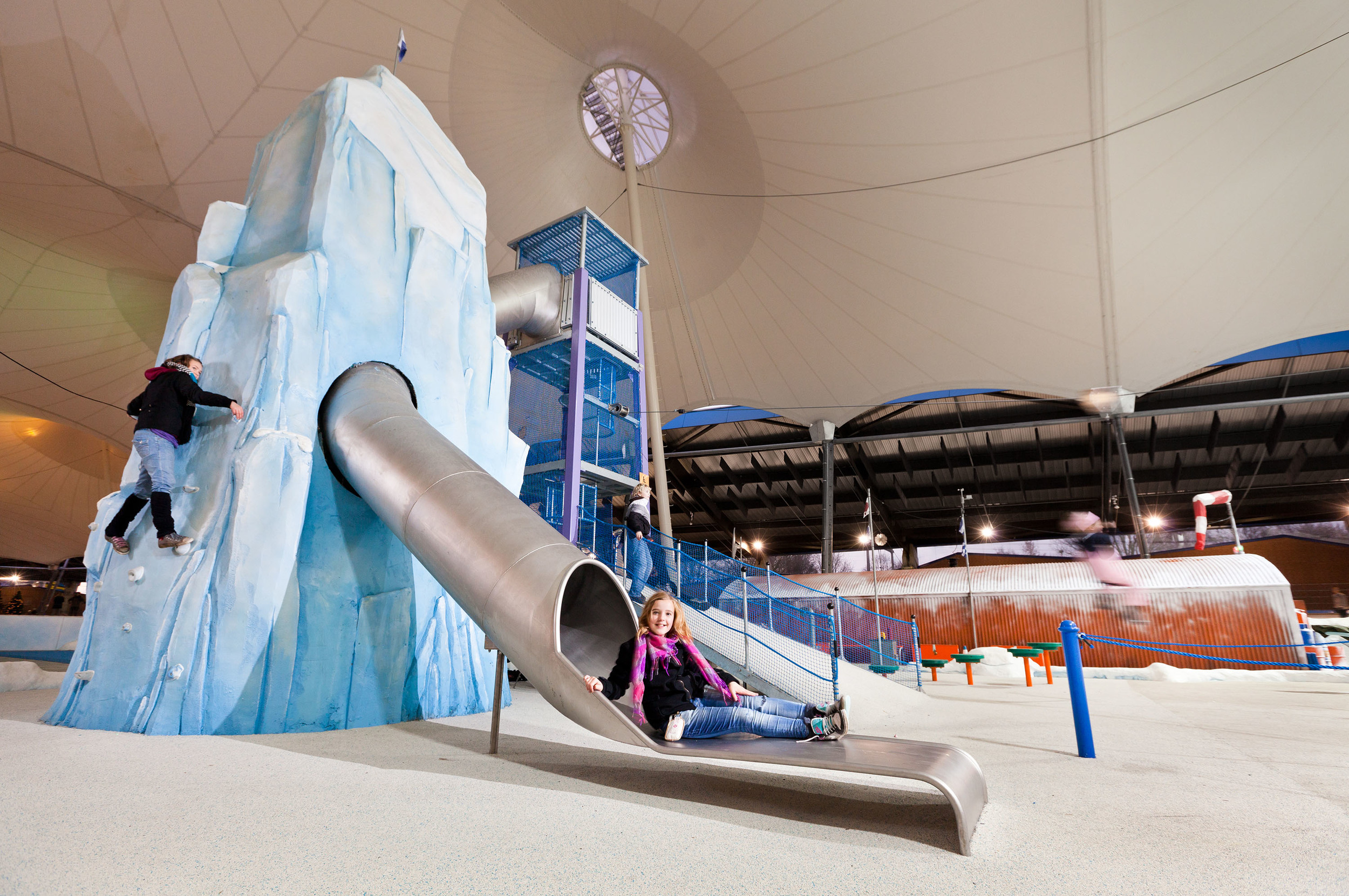 DE SPEELPOOL <strong>| A unique interactive fun zone inside a skating rink in De Scheg, the Netherlands</strong>