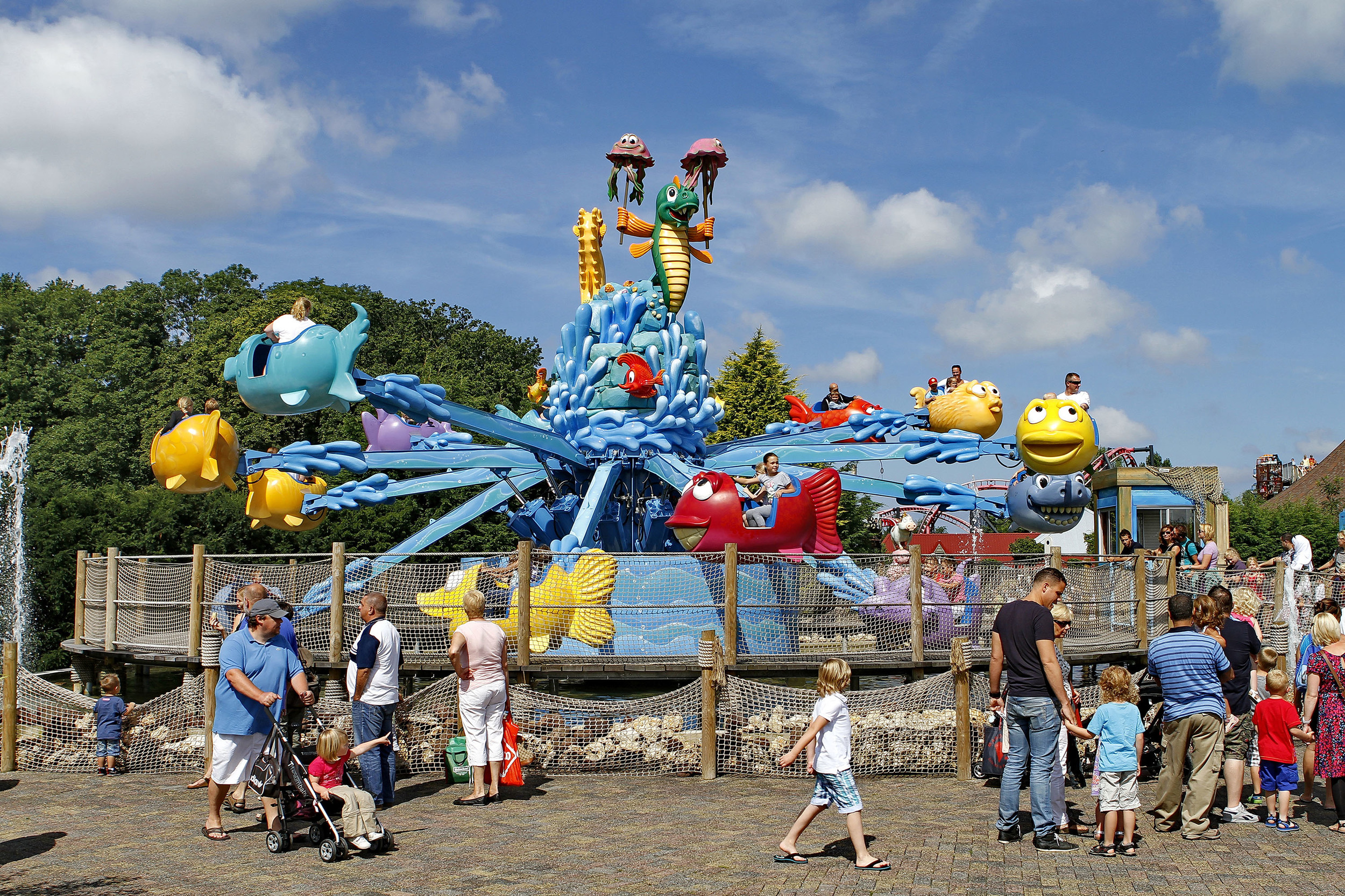 FLYING FISH <strong>| A classic flying carousel in Drievliet, the Netherlands</strong>