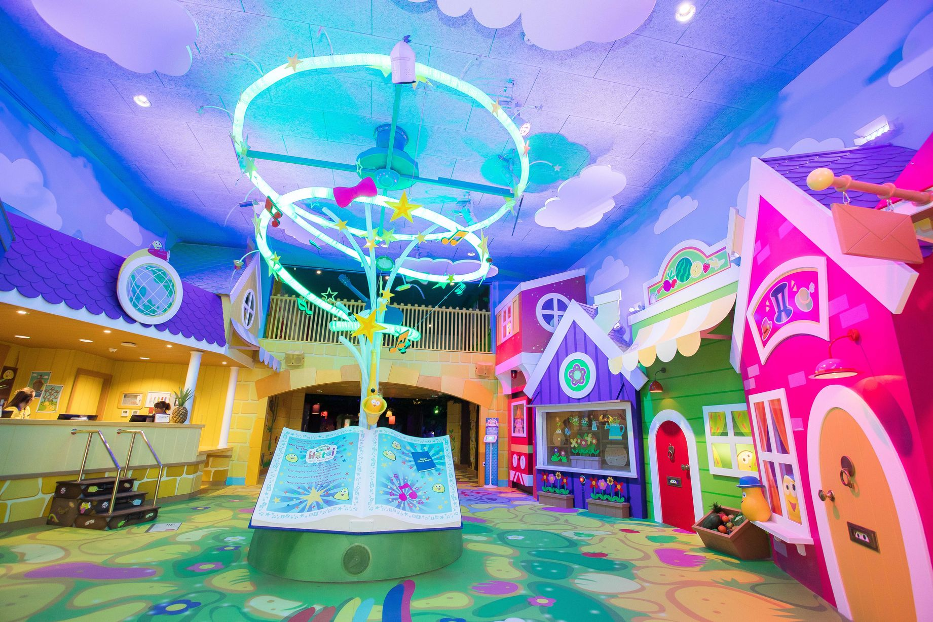 CBEEBIES LAND HOTEL ALTON TOWERS LOBBY <strong>| Unique IP themed hotel for young families</strong>