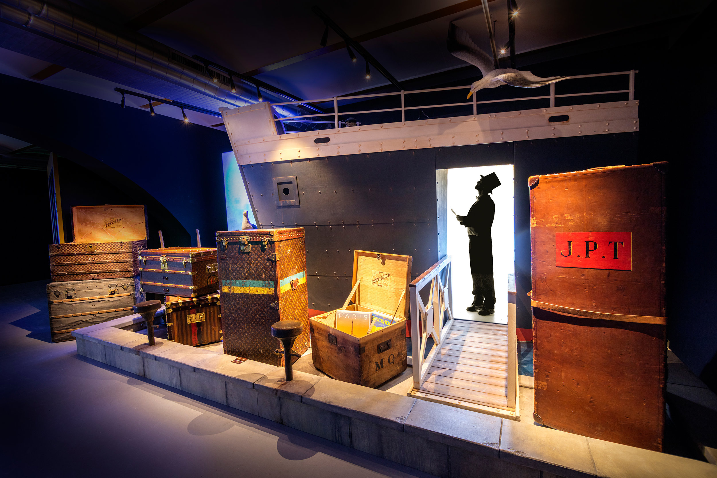 LEGENDARY TRUNKS THE EXHIBITION LOUIS VUITTON <strong>| A fascinating journey through five generations of Louis Vuitton's trunks</strong>