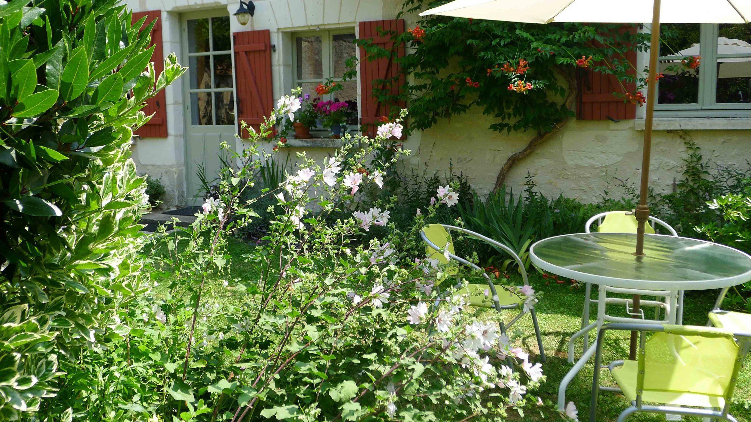 In the garden-2.jpg