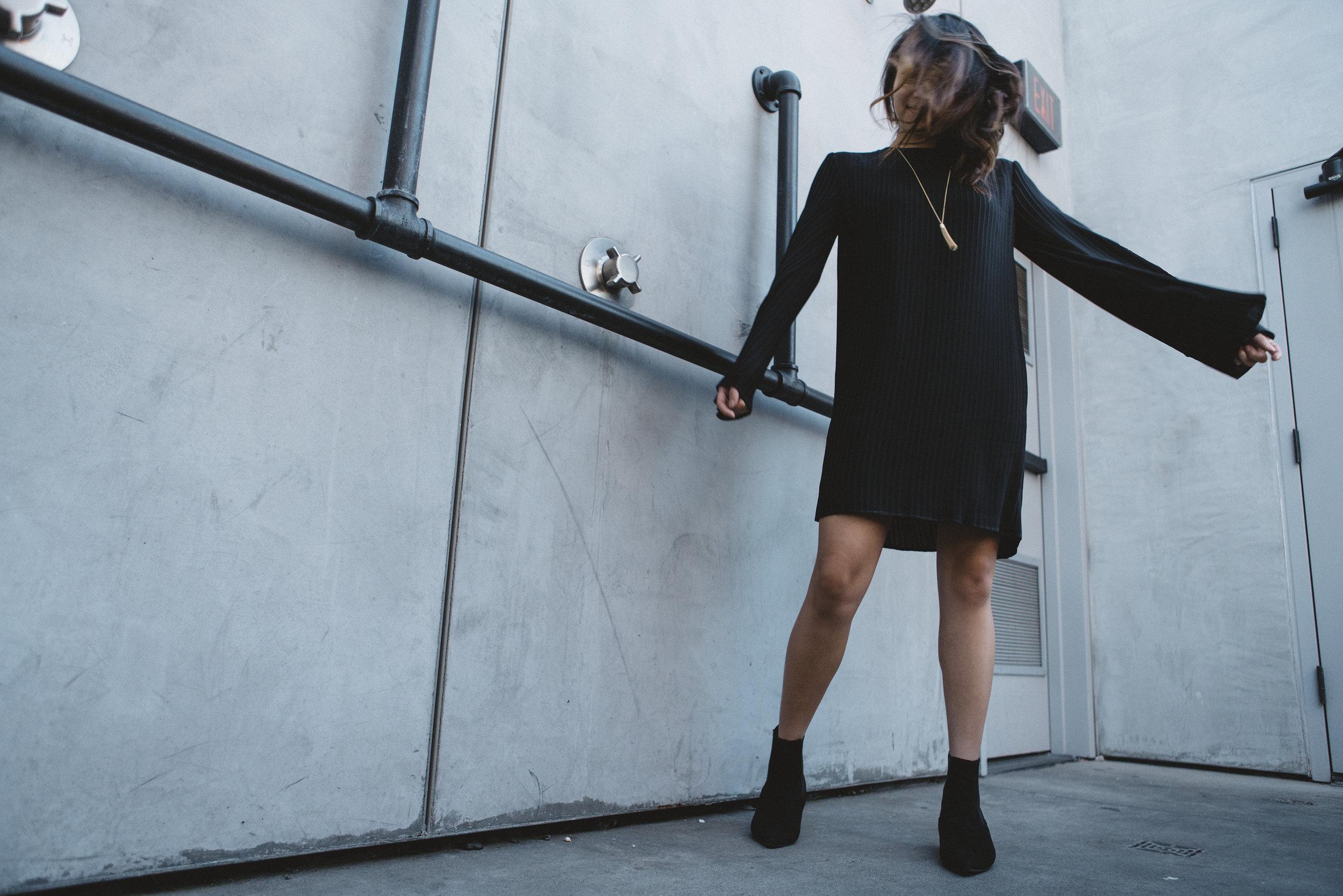 keepsake-the-label-bnkr-black-dress-05