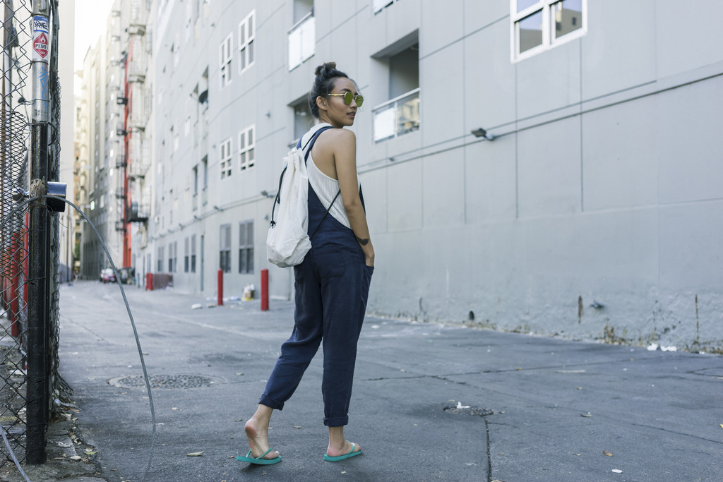 hey-yeh-urban-outfitters-overalls-01