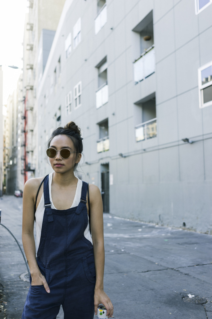 hey-yeh-urban-outfitters-overalls-02