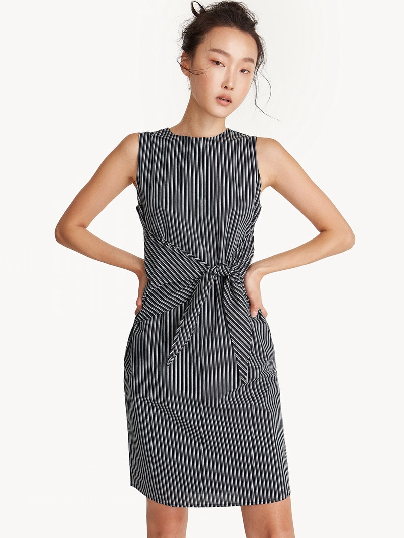 SLEEVELESS FRONT TIE DRESS