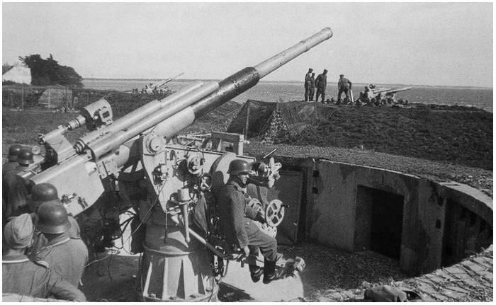 Een voorbeeld van een flak bunker in werking (niet degene in terschelling)