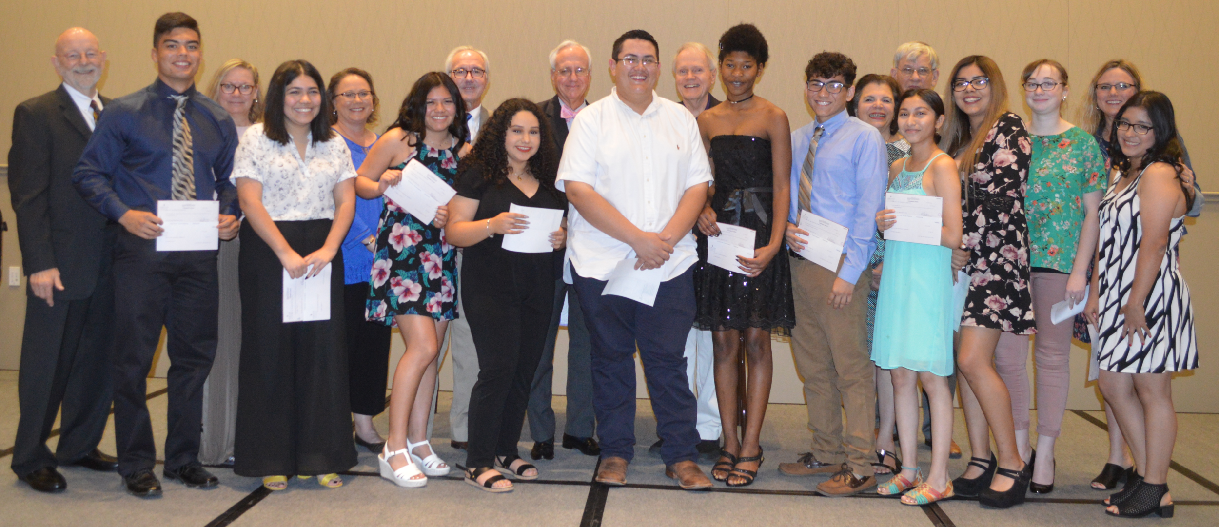 2018 AVID PHS Educational Foundation Scholars.png