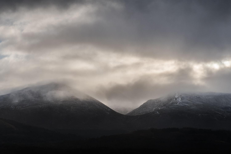 Looking across Loch Cluanie –  Fujifilm X-Pro2  &  XF16-55mm WR  (1/250th, f16, ISO800)