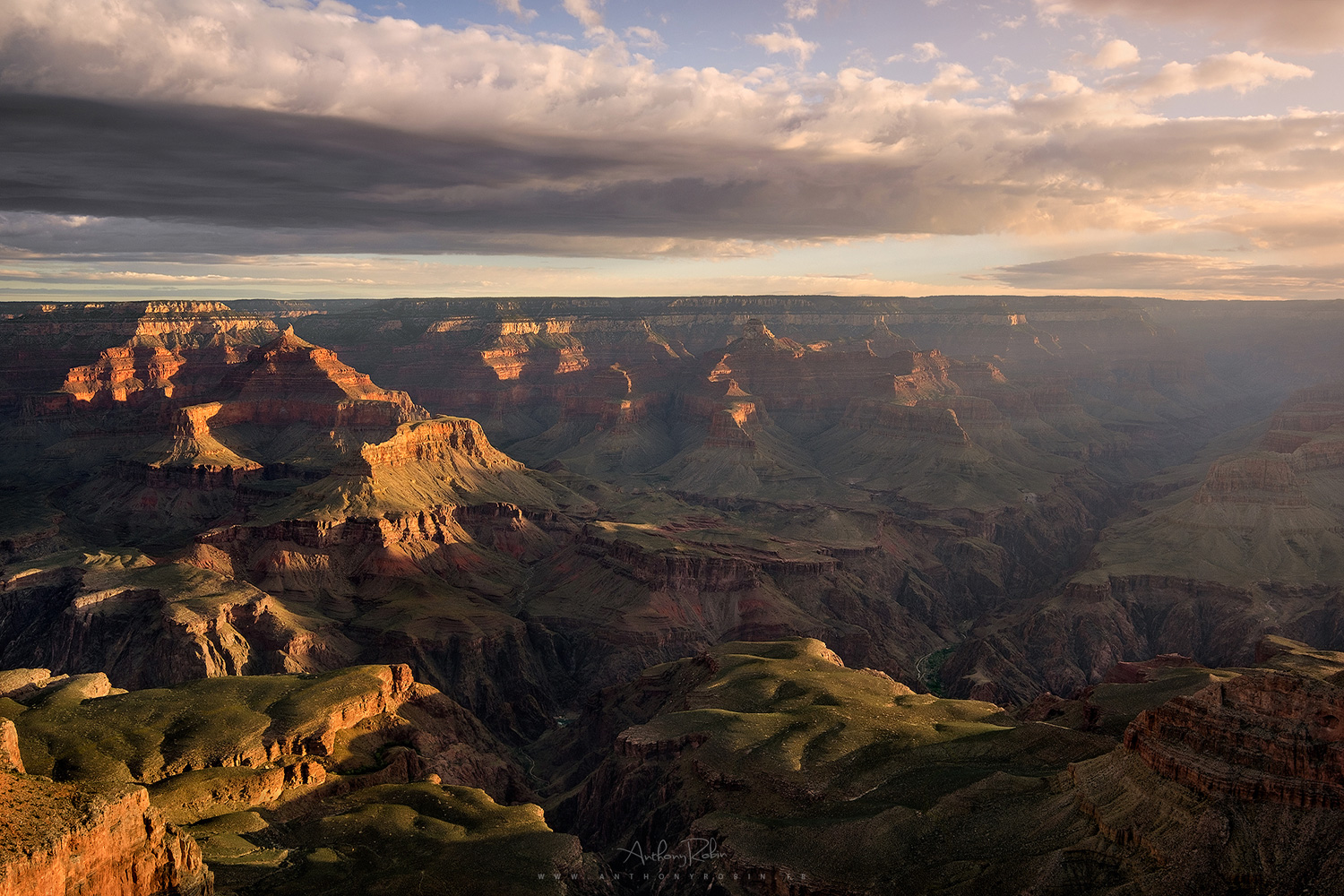 Enjoying an early morning on the rim, Grand Canyon National Park.