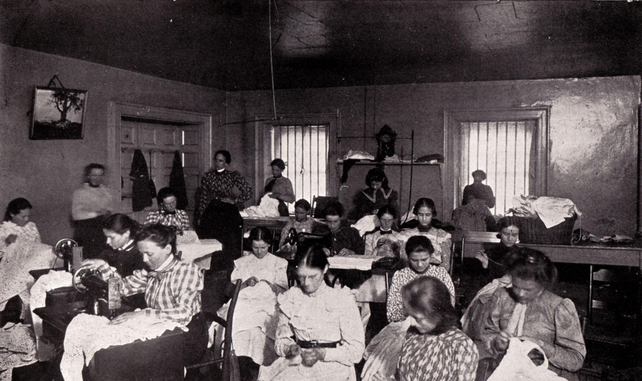 VSDB_SEWING_CLASS_1899.jpg