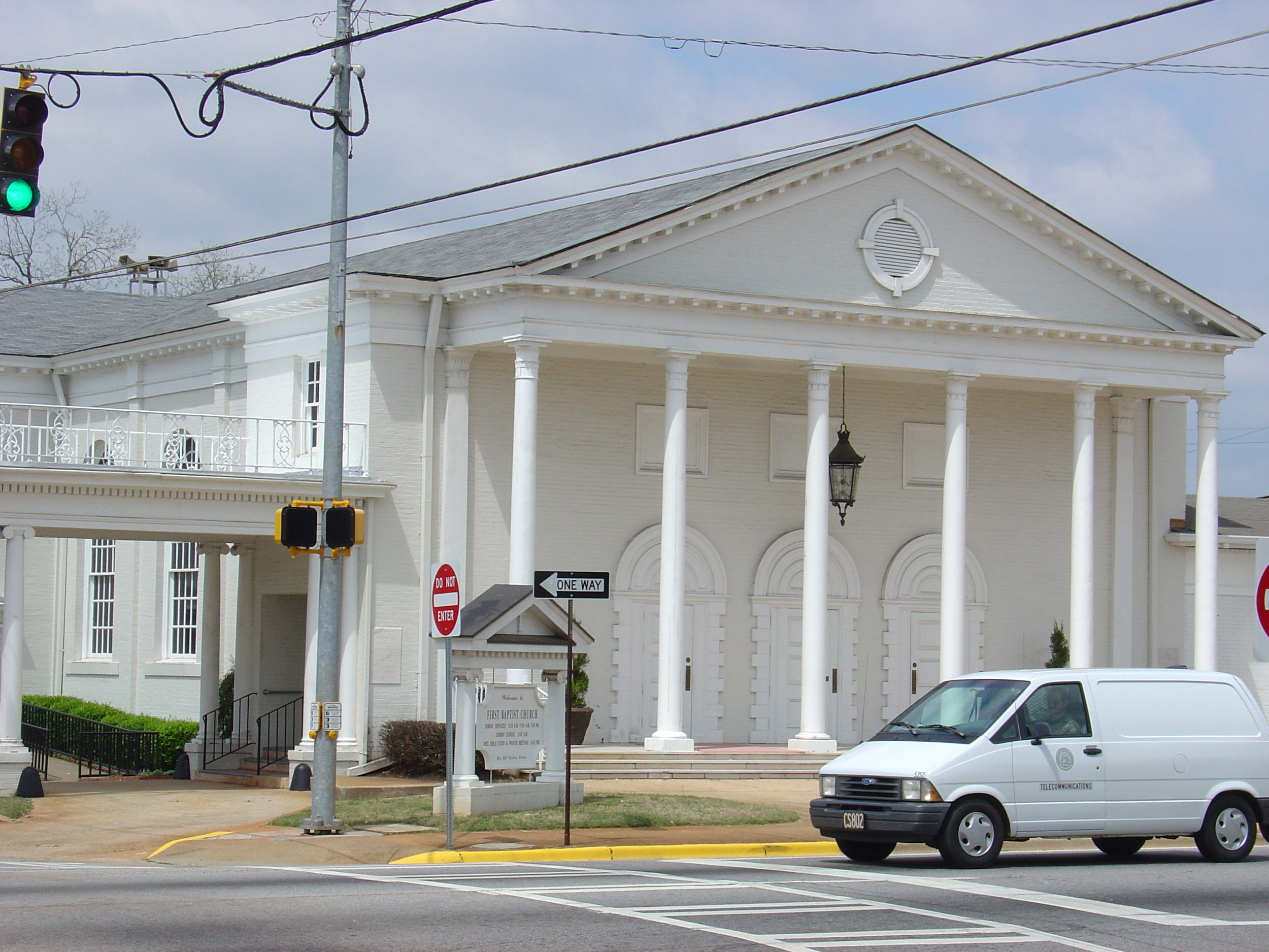 firstbaptistthomaston.jpg