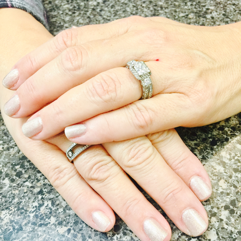 nails that shine