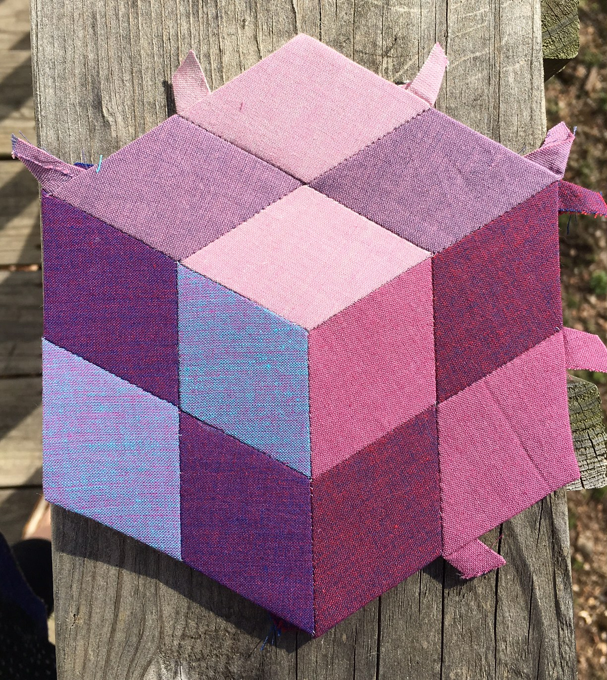 This block has a cool 3-D effect.