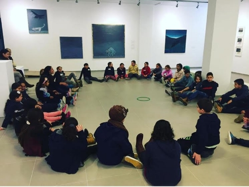 4th graders meeting at the Umm el Fahem Gallery. Project Shared Space, 2016