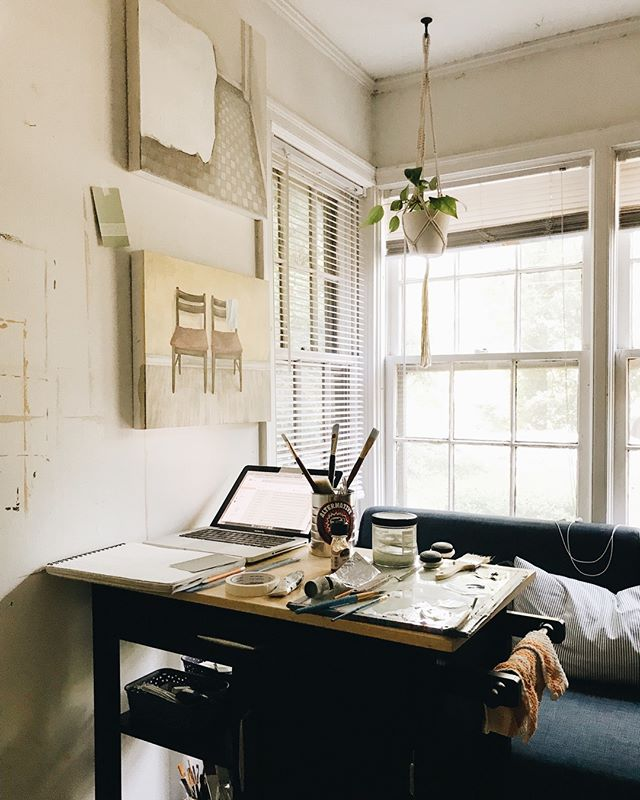Only got a handful of days left in this little studio. A space that's been so sweet to me, despite its drafty windows and other quirks.⠀⠀⠀⠀⠀⠀⠀⠀⠀ But it's good news! My husband and I bought a house across town so I'll have a new space to love soon 🏠✨⠀⠀⠀⠀⠀⠀⠀⠀⠀ Do you have any advice for first time homeowners?? I'm all ears!⠀⠀⠀⠀⠀⠀⠀⠀⠀ .⠀⠀⠀⠀⠀⠀⠀⠀⠀ .⠀⠀⠀⠀⠀⠀⠀⠀⠀ .⠀⠀⠀⠀⠀⠀⠀⠀⠀ .⠀⠀⠀⠀⠀⠀⠀⠀⠀ .⠀⠀⠀⠀⠀⠀⠀⠀⠀ .⠀⠀⠀⠀⠀⠀⠀⠀⠀ .⠀⠀⠀⠀⠀⠀⠀⠀⠀ #contemporaryart #athensartist #atlantaartist #instaart #painting #sketchbook #artist  #drawing #studioscenes #doitfortheprocess  #makersmovement #carveouttimeforart  #sodomino #scwhiteart #womenartists #creativityfound #athensga #oilpainting