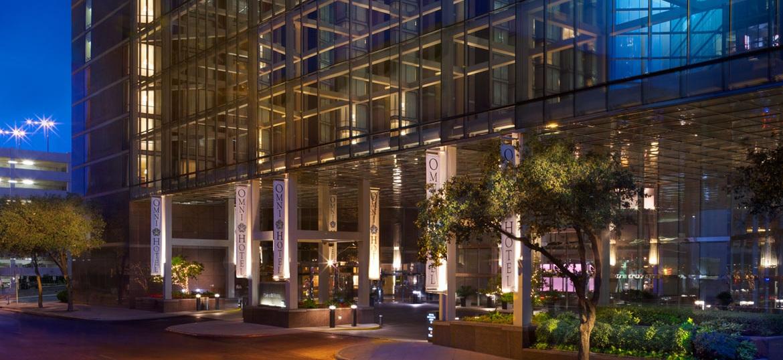 ausctr-omni-austin-hotel-downtown-exterior-1.jpg