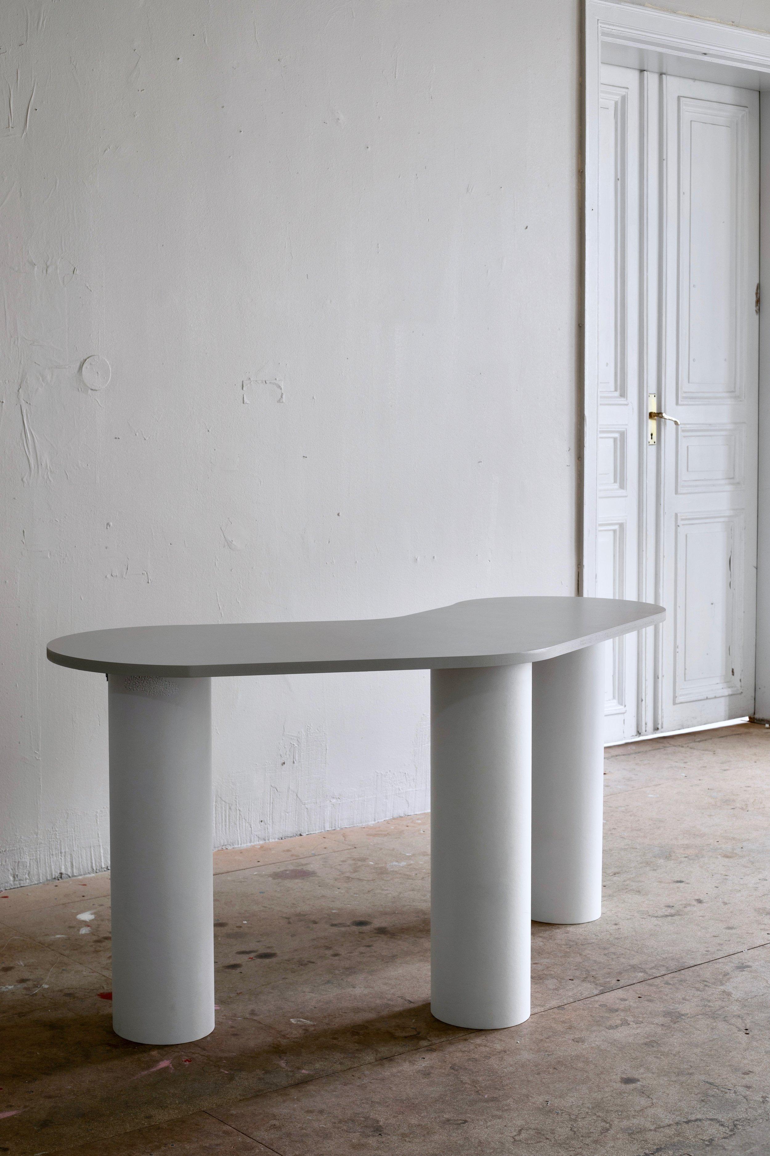 Ceres Desk -