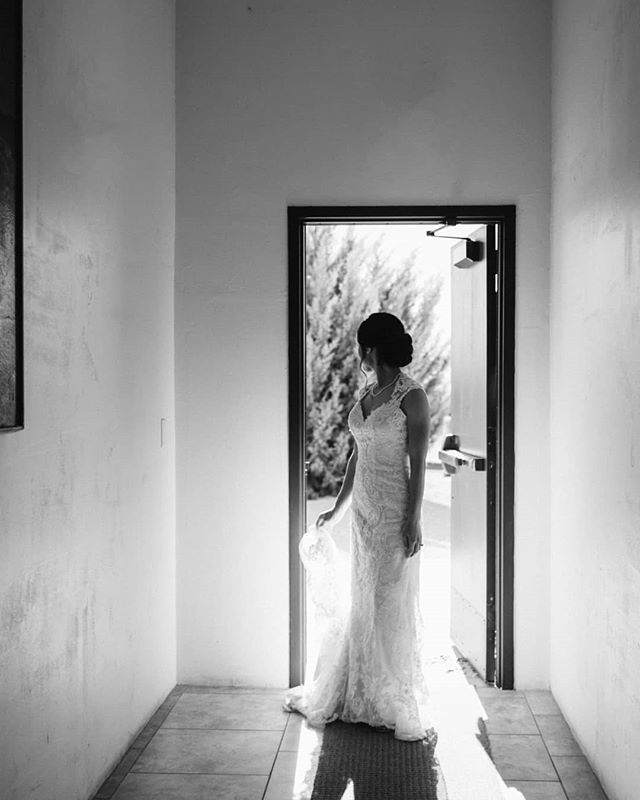 Boring hallways get more interesting when toy open a door! . . . . . .  #weddingphotographer #arizonaweddingphotographer  #bride #arizonawedding #arizonaweddingphotography #azweddings #phoenixweddings #azweddingphotography #gilbertazweddingphotography #phoenixphotographer #theknot #weddingwire #azweddings #arizonabride #weddinginspiration #solovely #love #realweddings