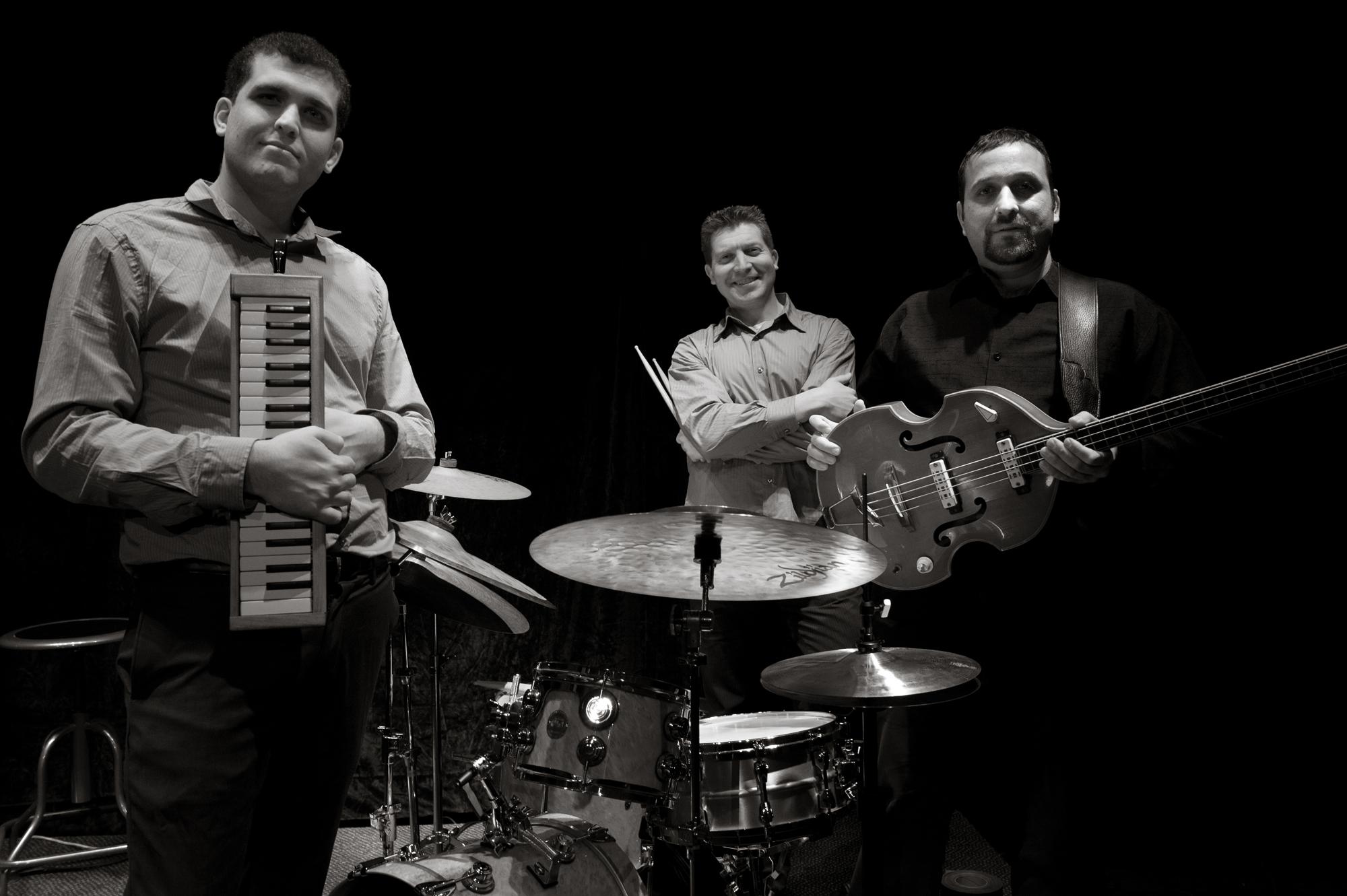 Trio Shalva