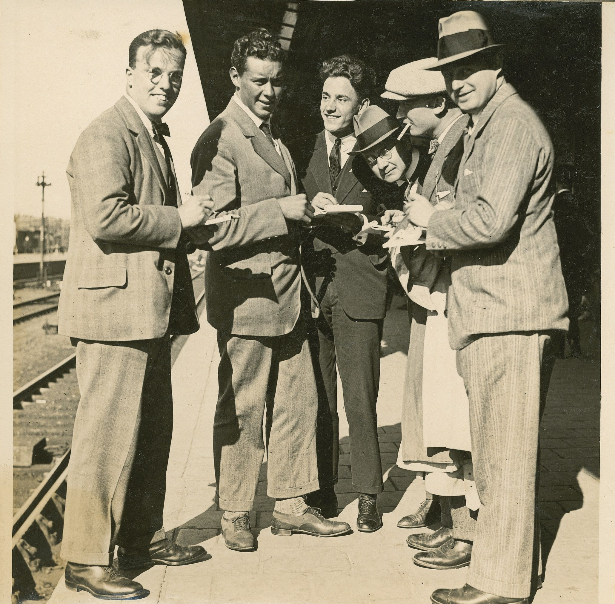 pers Nederlandse poolheld Sjef van Dongen Spitsbergen 1928 boek biografie