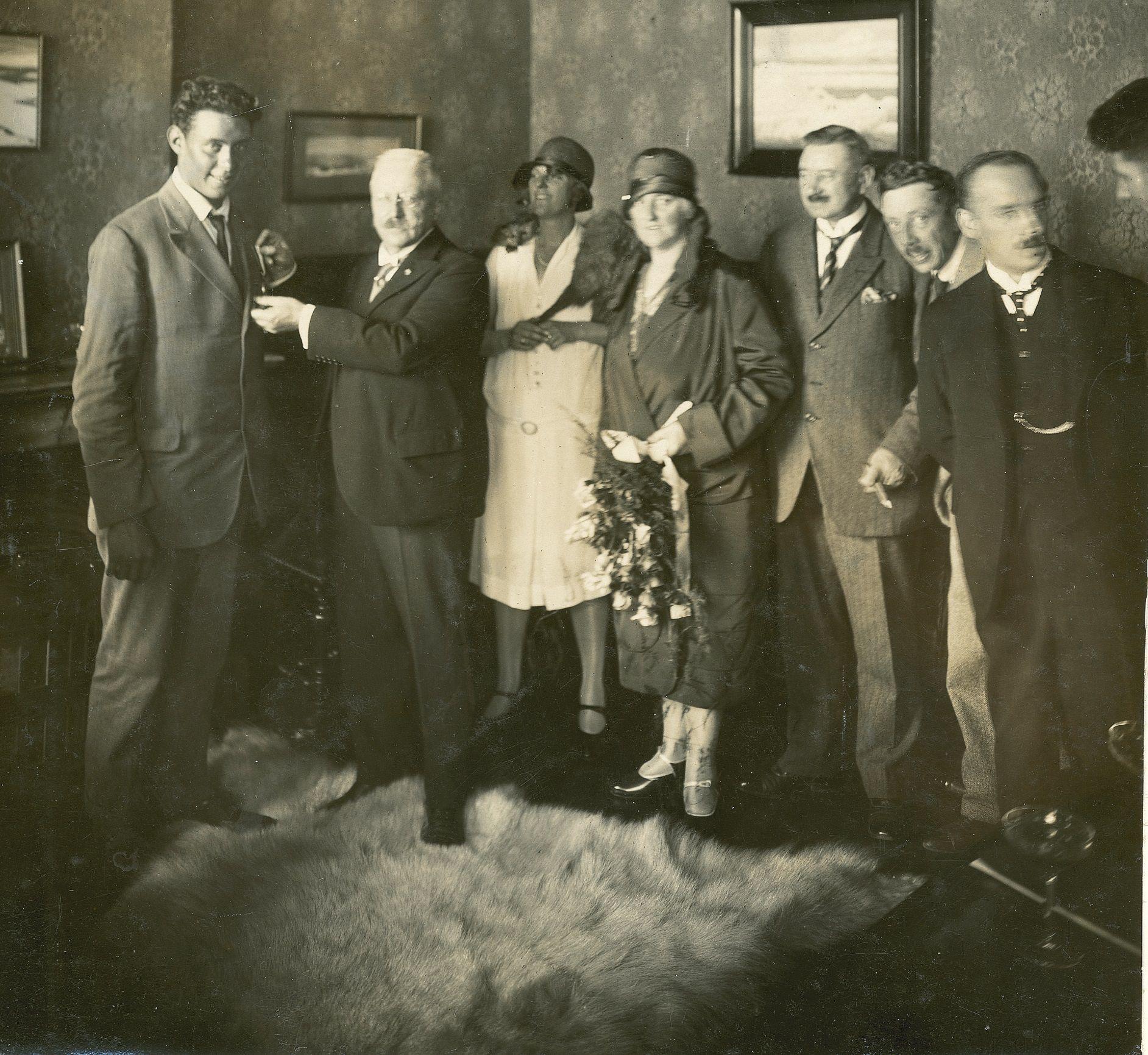 onderscheiding huldiging Nederlandse poolheld Sjef van Dongen Spitsbergen 1928 boek biografie