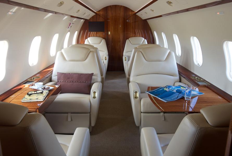 Challenger 300 Interior 2.jpg