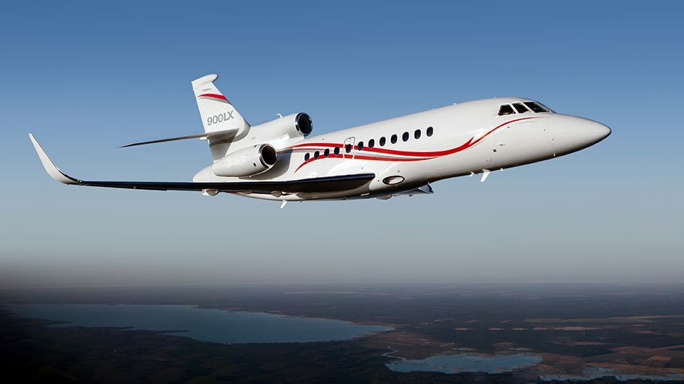 Falcon 900 LX Exterior (from Falcon Website).jpg