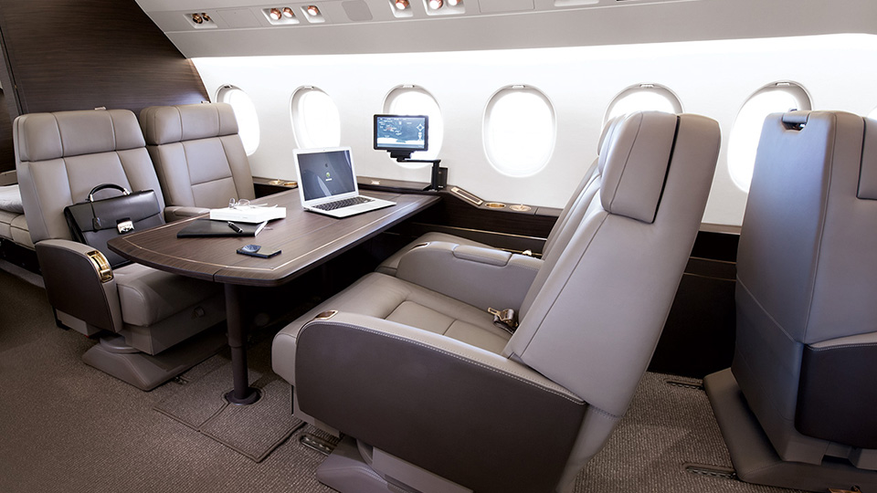 Falcon 900LX Interior (From Falcon Website).jpg