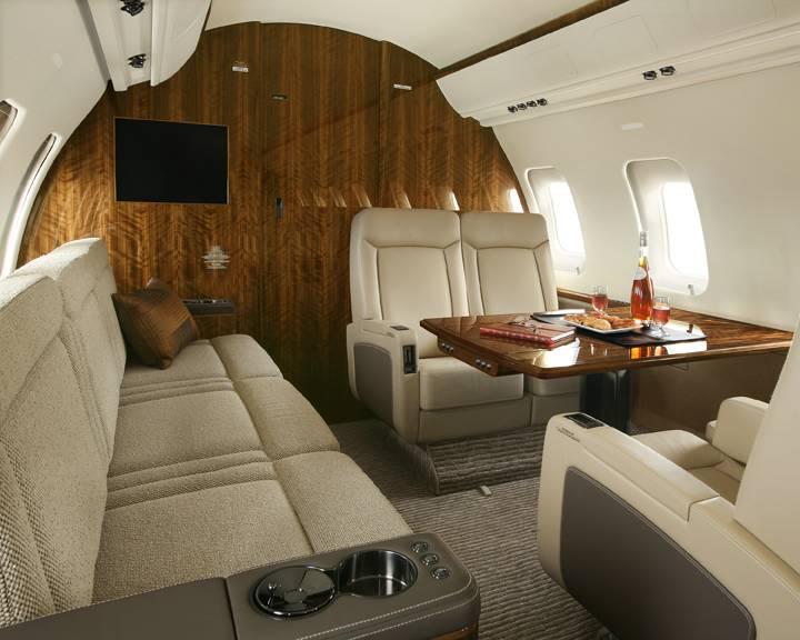 Challenger 605 Interior 2.jpg
