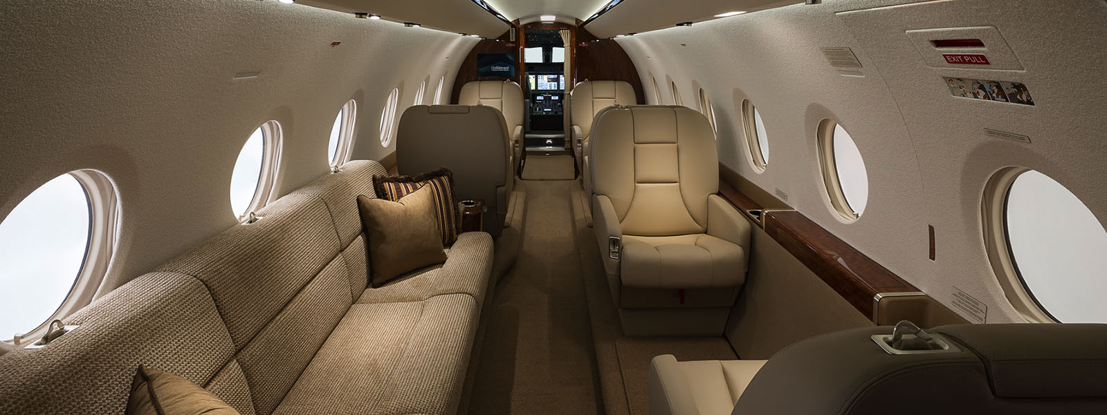 Gulfstream G200 2.jpg