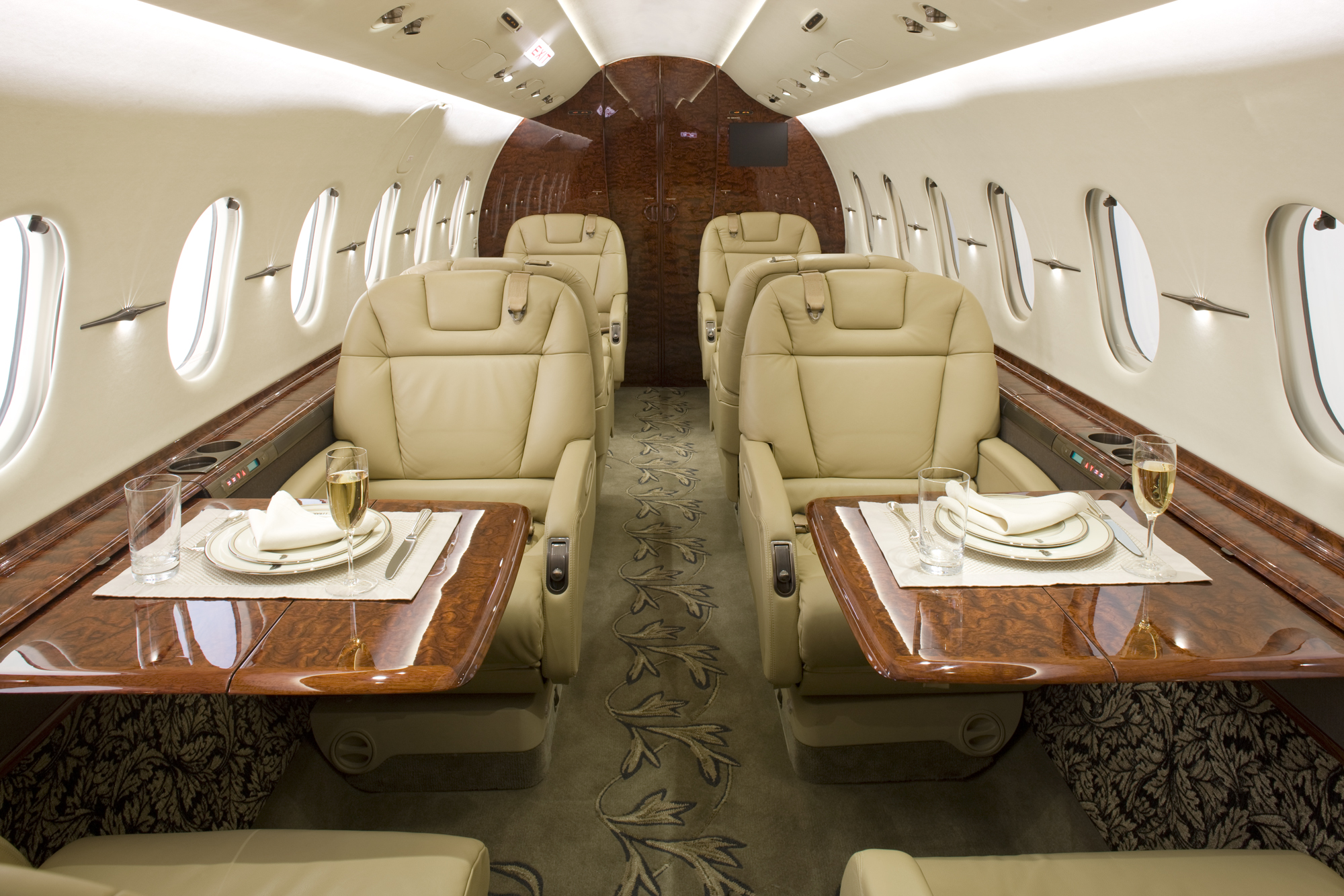 Hawker 4000 Interior 1.jpg