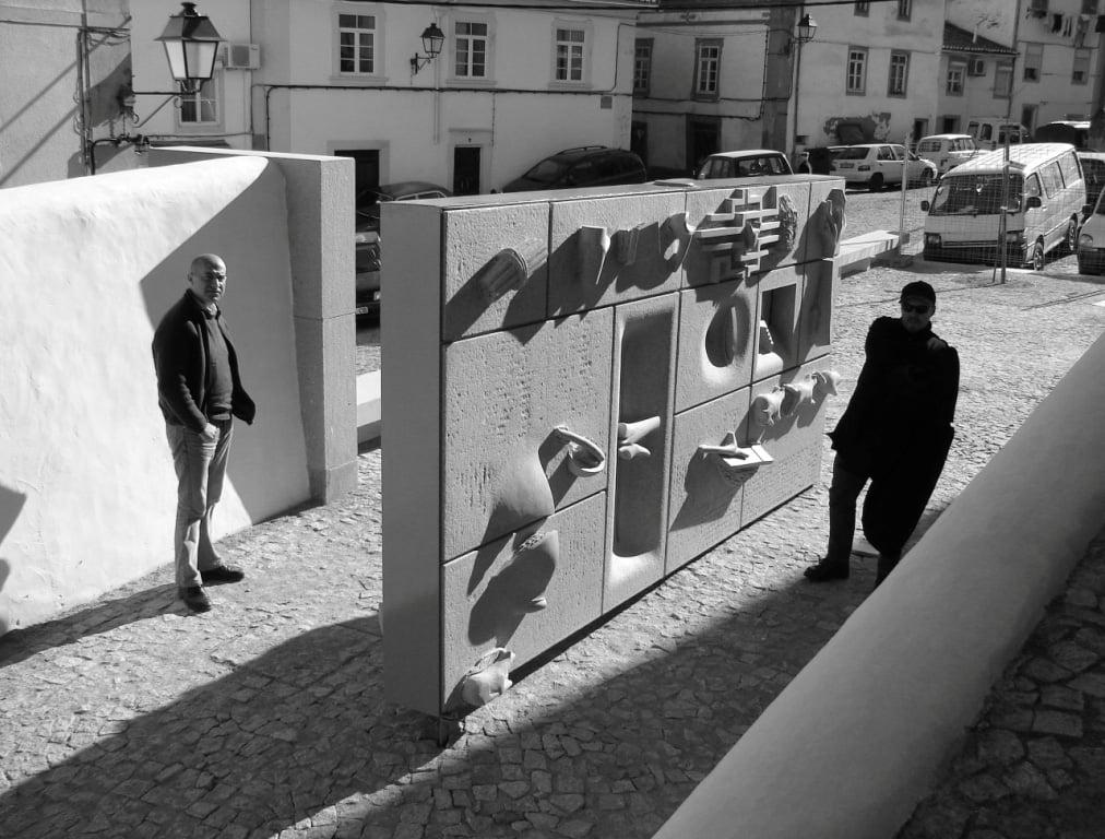 Portão da barbacã do Castelo de Portalegre-granito-2005 (3).jpg