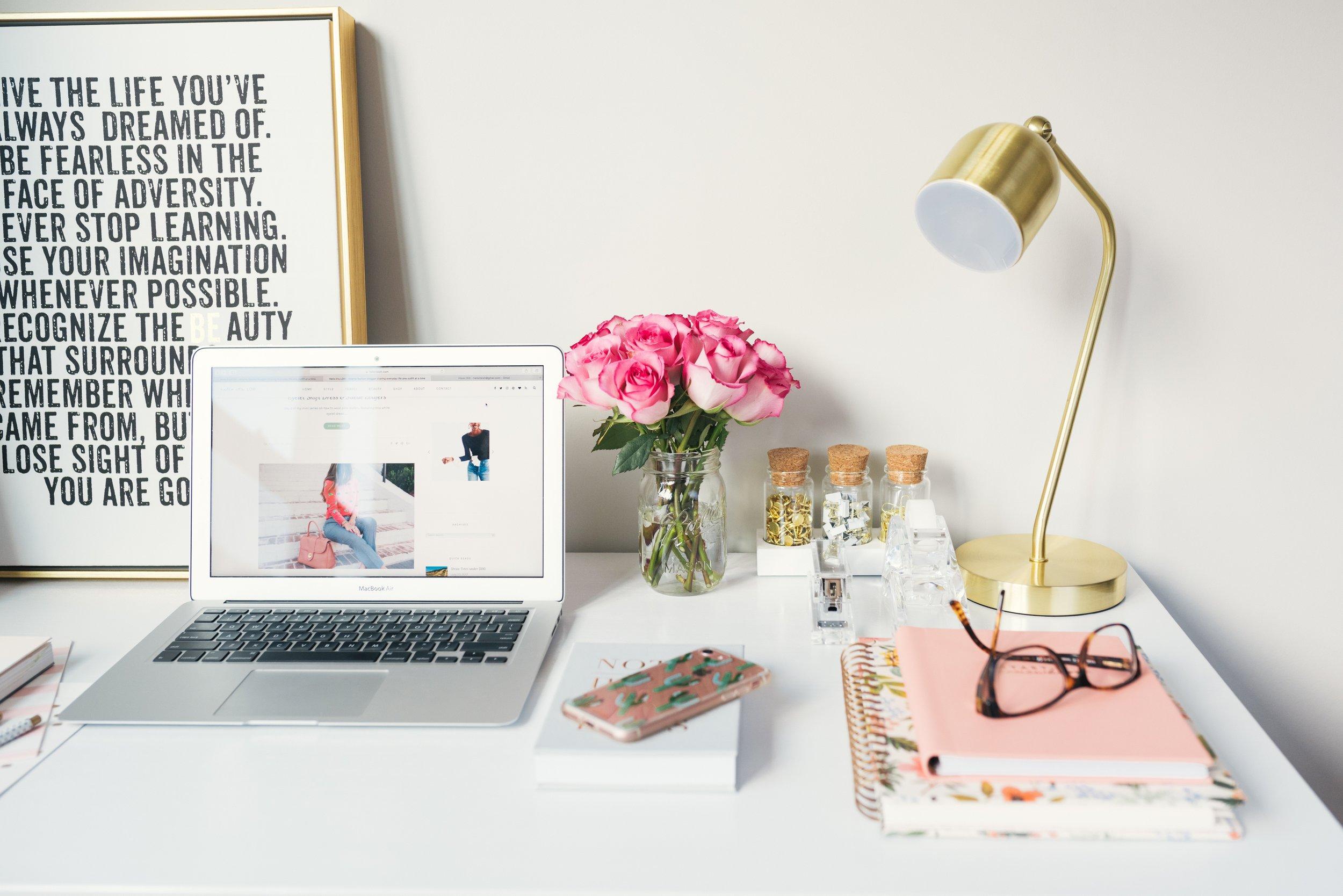 Organized blogger station.jpg