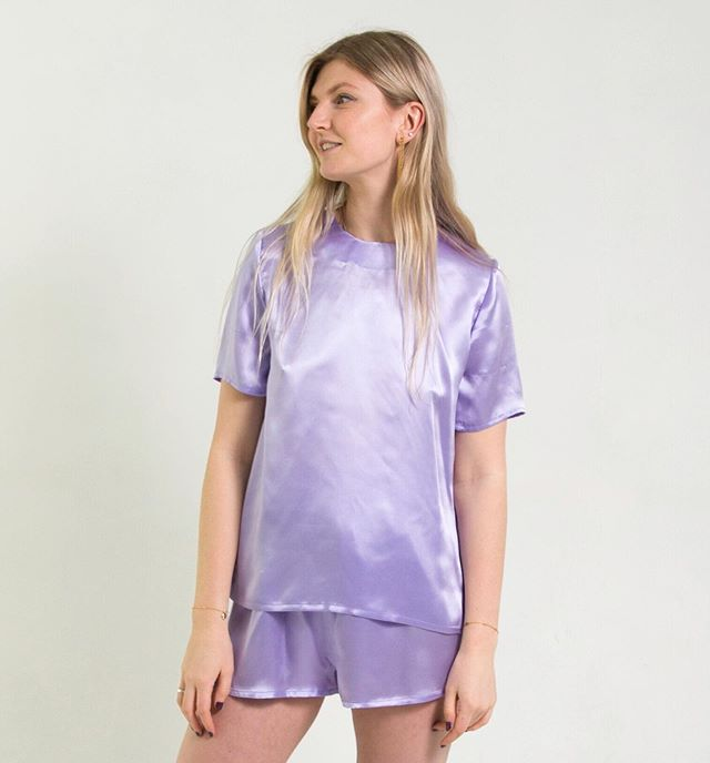 We only have one of these lilac tees left, in a size 10. Head to our site to grab it before anyone else 💜 . . . #silknightwear #silktop #silkt #silktee #lilac #purple #💜 #silkclothes #silk #silkbasics #loungewear #luxury #luxuryloungewear #silkpyjamas #love #ootd #summer #summerpyjamas #tshirt #silktshirt #luxurybasics #supportlocalbrand #independentdesigner