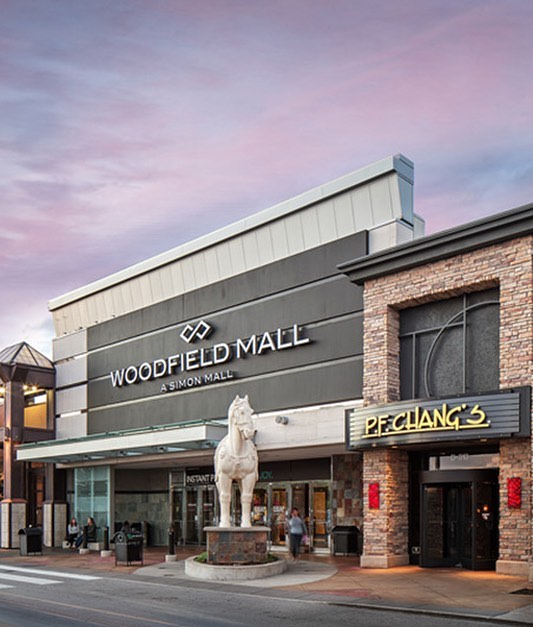 Next town is Schaumburg, IL! Team member Omar lives in the northwestern suburb of Schaumburg and commutes to school everyday. Schaumburg is most known for the massive @woodfieldmall with hundreds of shops and restaurants!