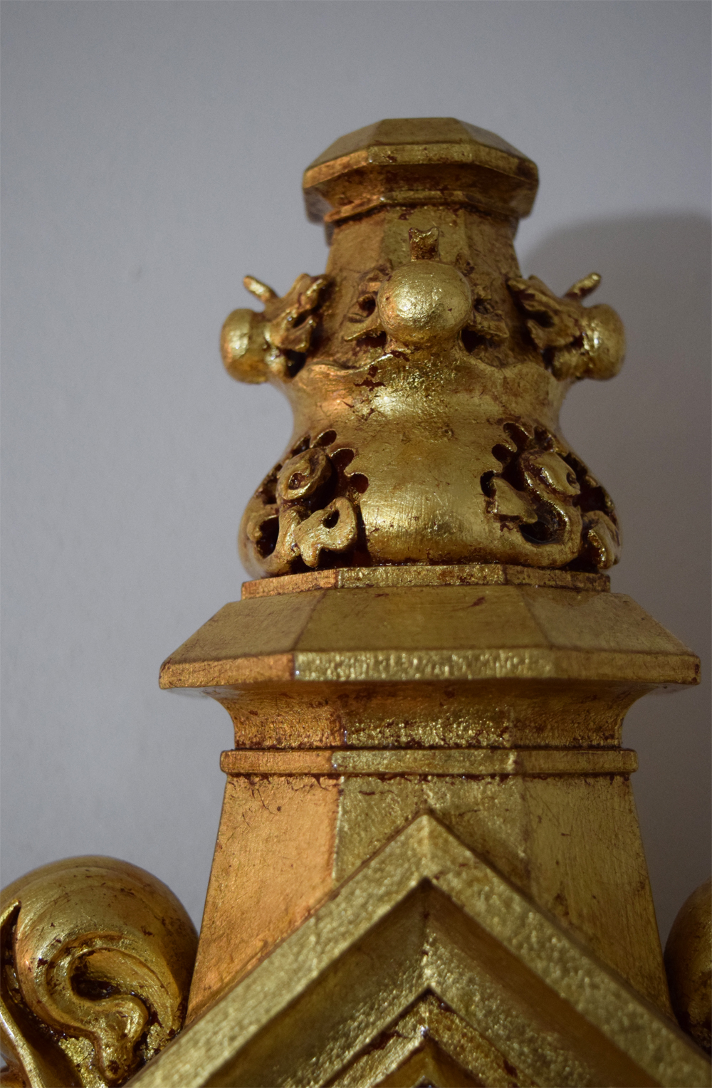 Detail of the top finial.